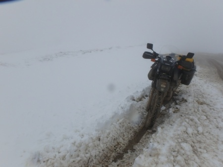 DR650 in deep snow