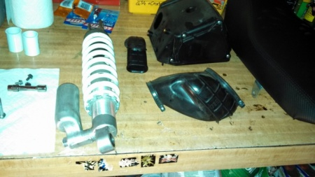 DR shock assembly and airbox
